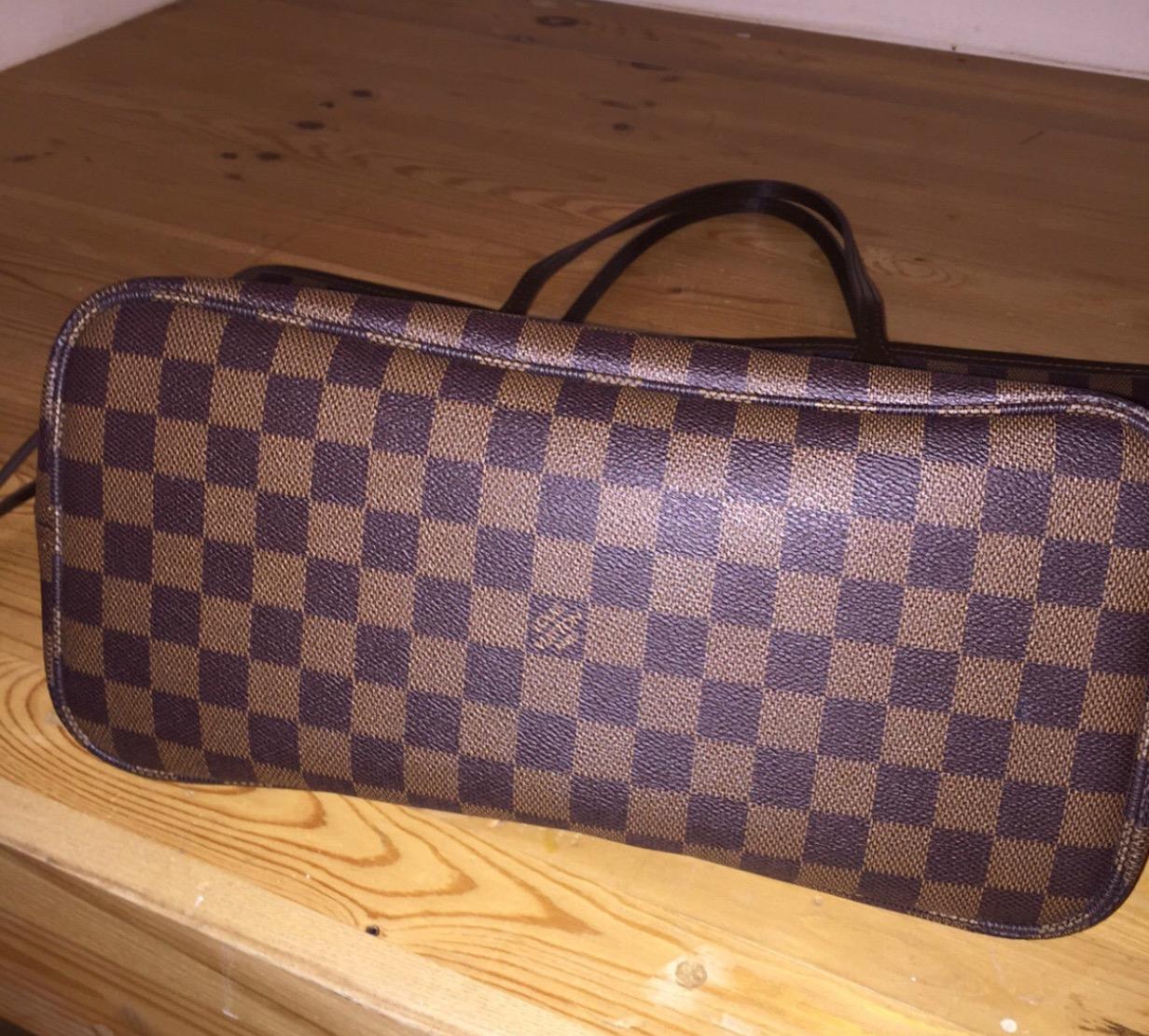 Louis Vuitton Date Code Guide  cb976e3053e0f